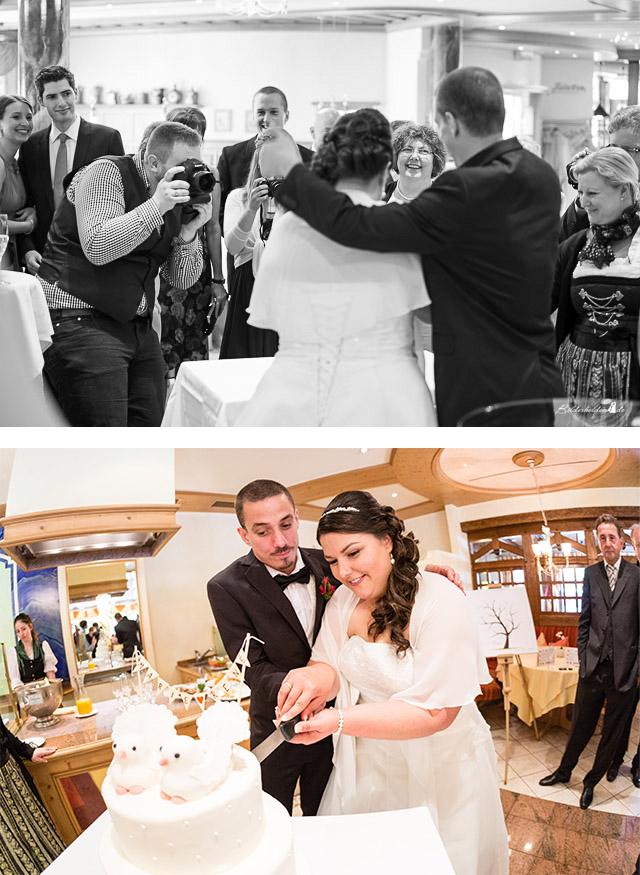 Porträtbild von Hochzeits-Fotograf Samuel Gesang beim Anschneiden der Hochzeitstorte